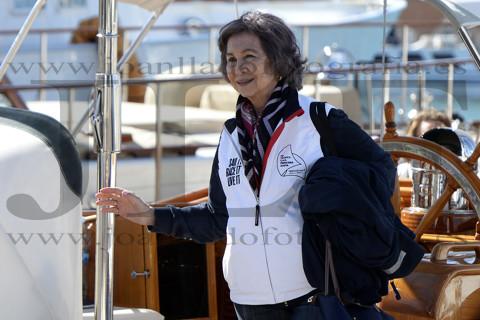 La Reina Sofía en el velero Seljm durante.