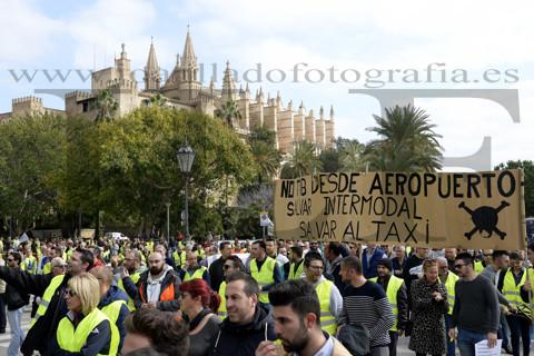 Manifestación de taxsitas en Palma